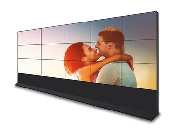 Large 55 Inch Seamless LCD Video Wall Built - In Splicing Module Long Service Life
